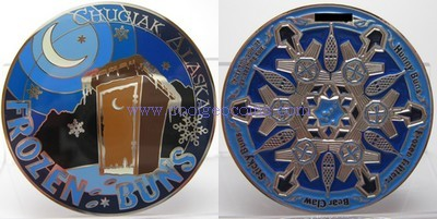 frozen-buns-outhouse-geocoin.jpg